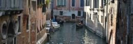 gondola shooting venice